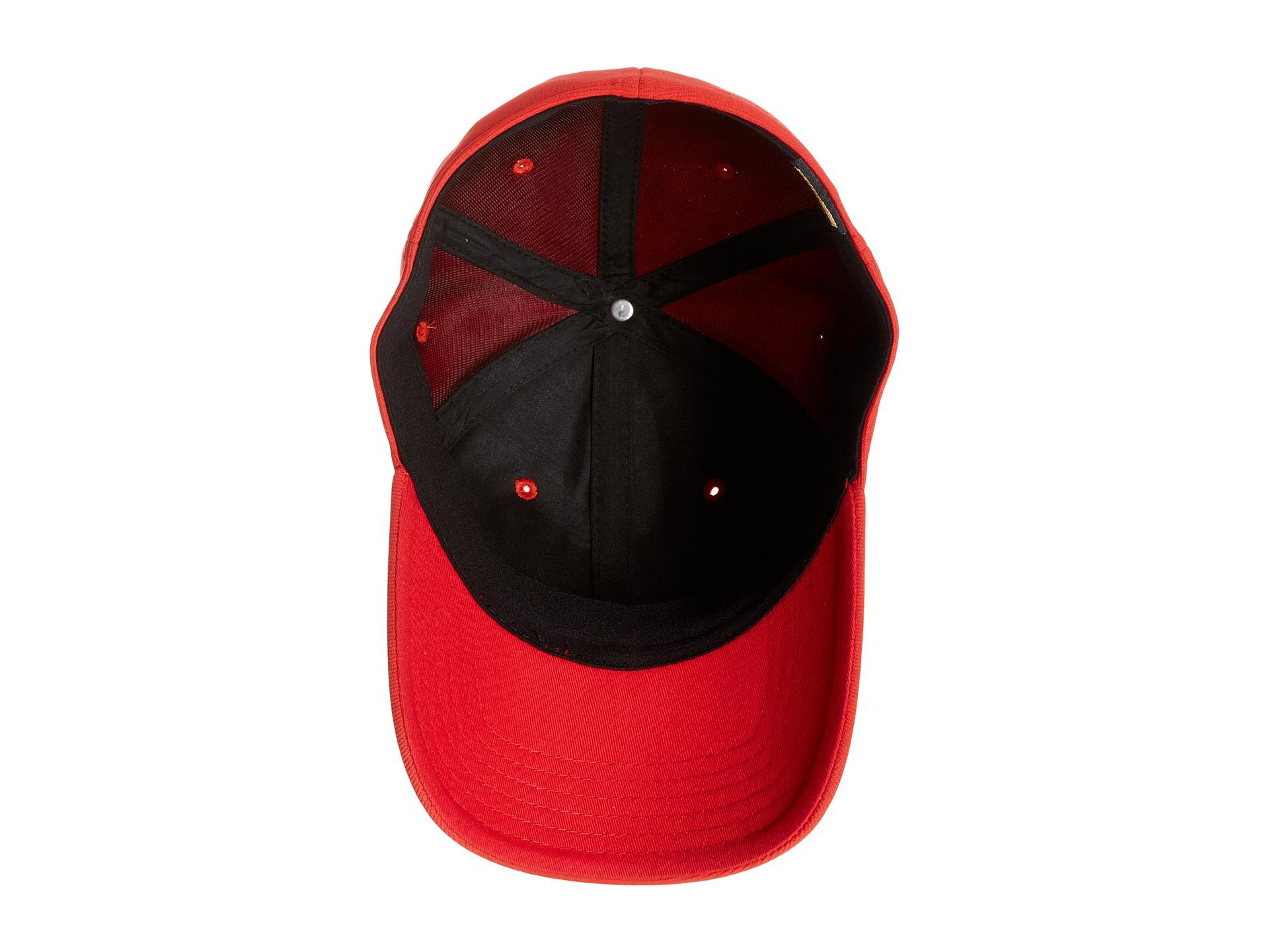 Oakley Metal Gascan Cap Red « Heritage Malta 9f62eaa5dce