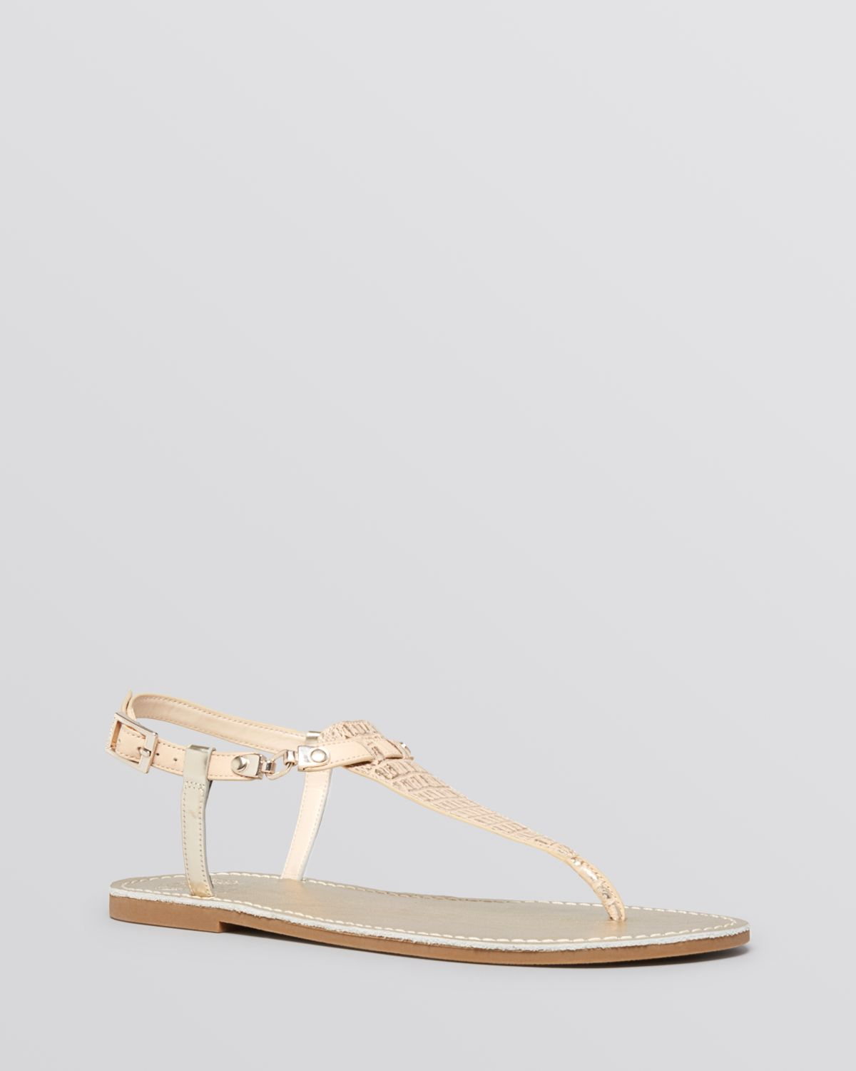 393b02446b68e6 Lyst - Vince Camuto Flat Thong Sandals Itelli Chain in Natural