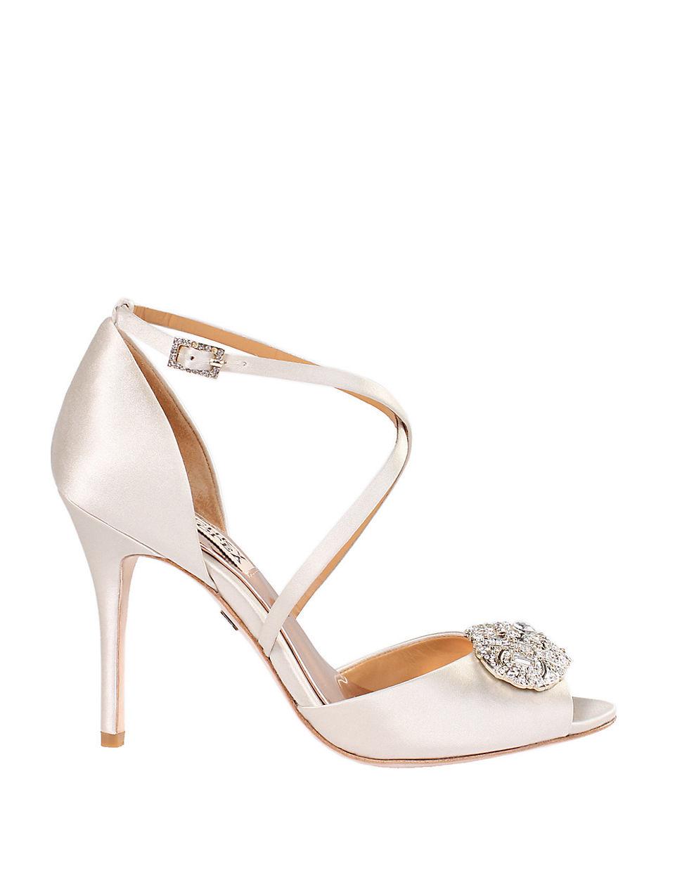 badgley mischka sari peep toe pumps in white lyst