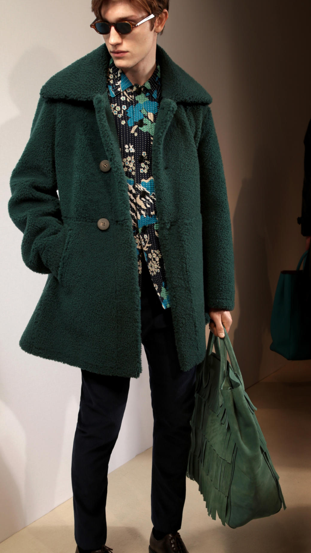 Burberry Oversize Collar Shearling Coat in Green for Men | Lyst