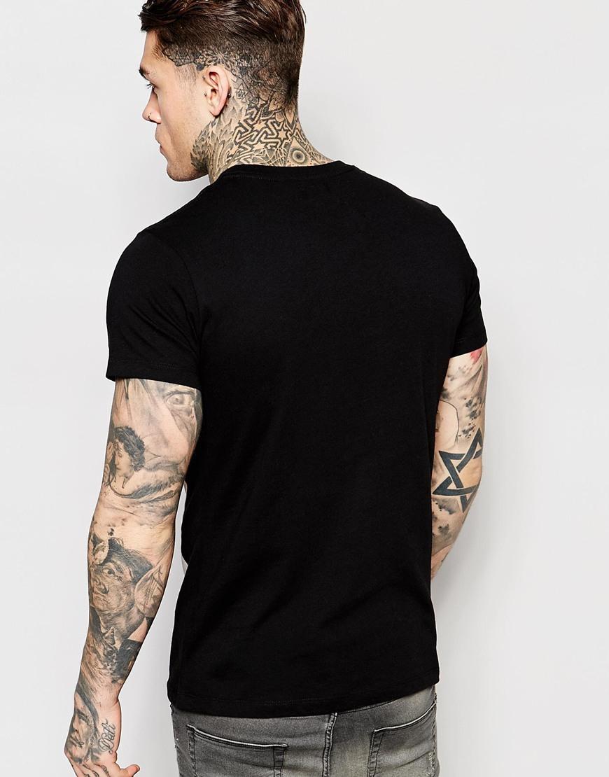 Black t shirt girl - Gallery