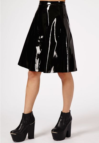 missguided mikako pvc midi skirt in black