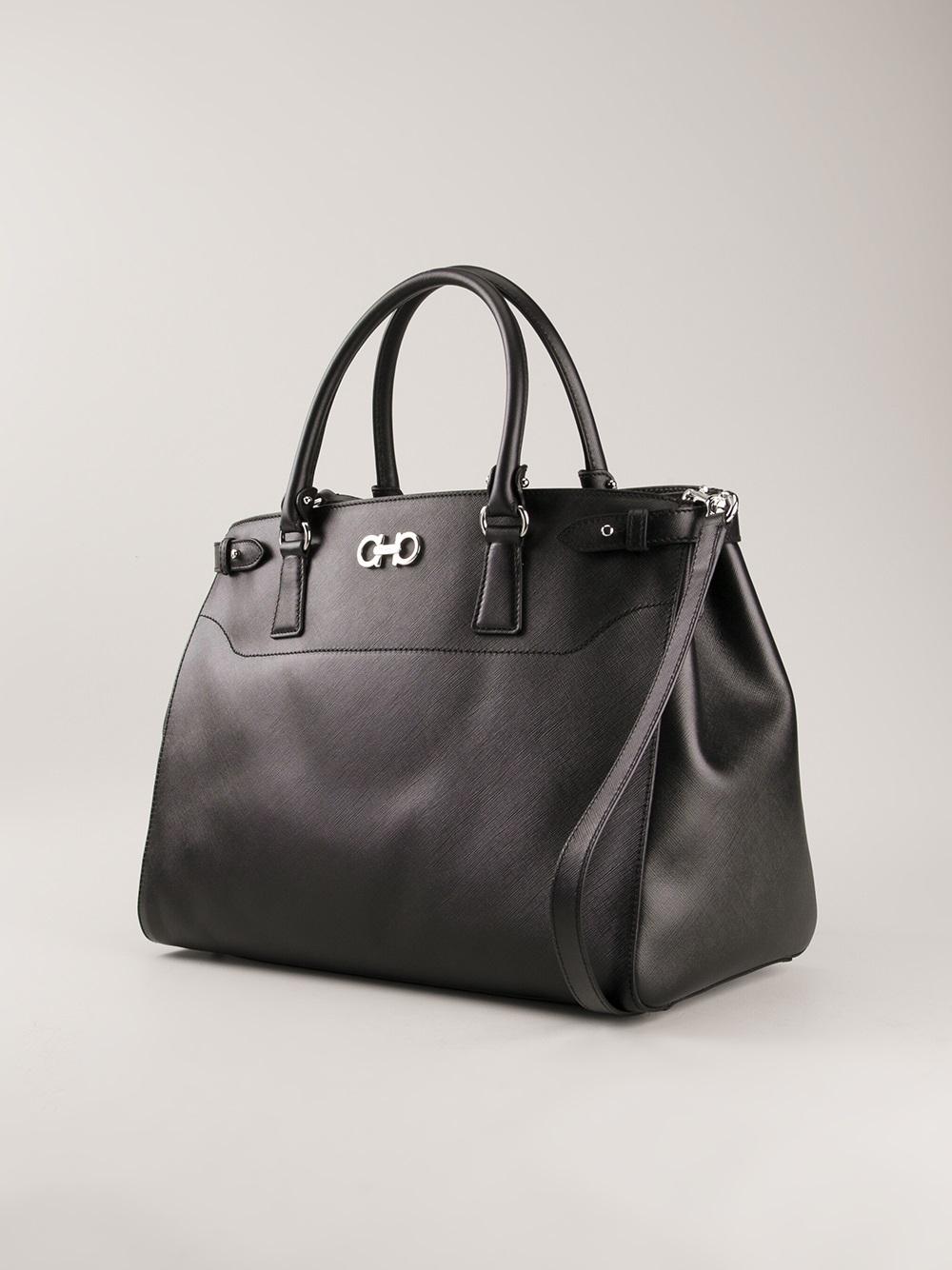 5b9e6e4f2e33 Ferragamo Large Tote Bag in Black - Lyst