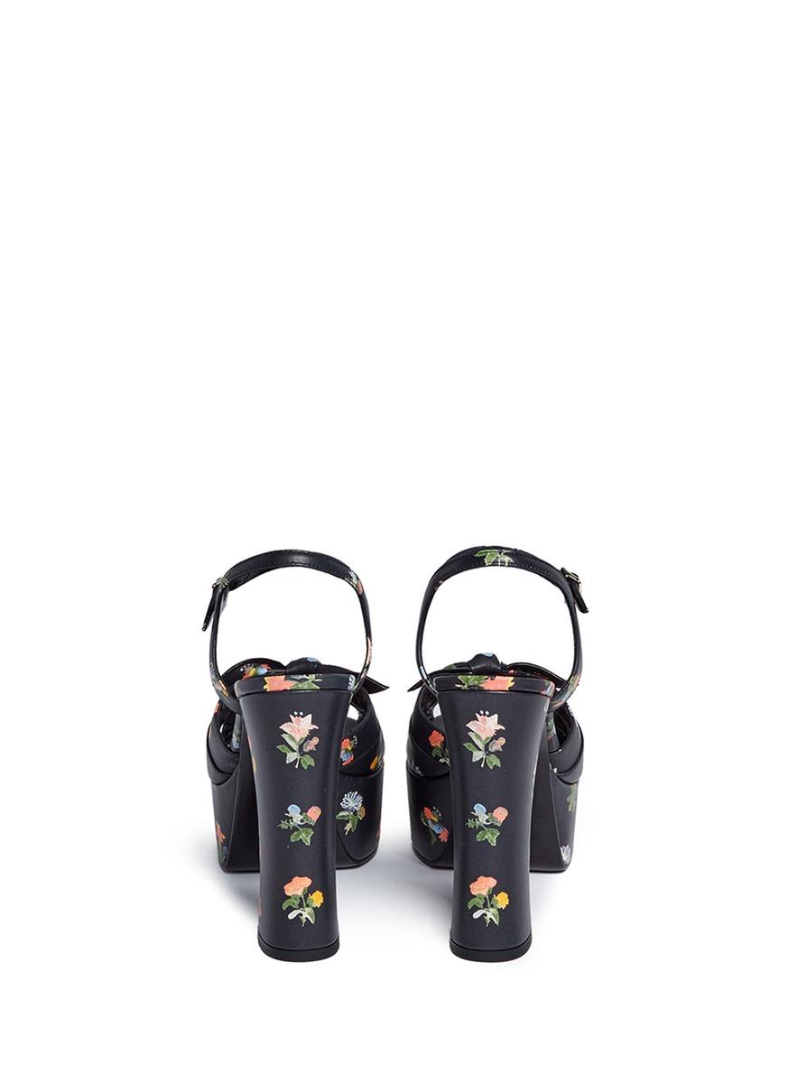 Black sandals grunge - Gallery