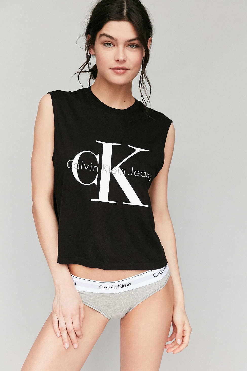 f1fe56168f8124 Lyst - Calvin Klein For Uo Muscle Tee in Black