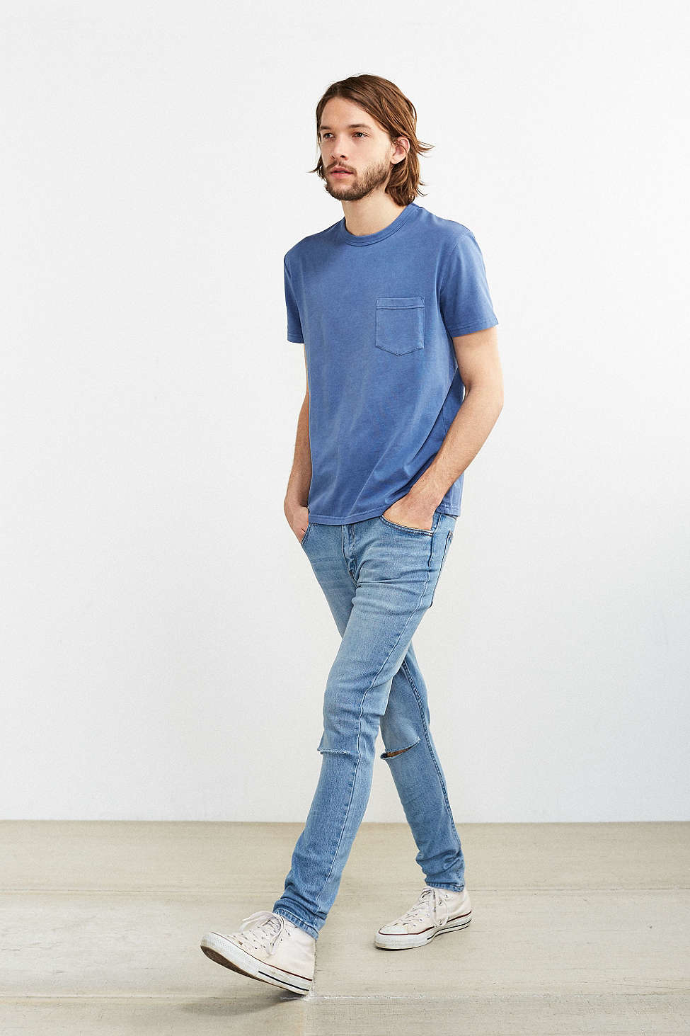 f51d9ca3 Find your favorite Women's Skinny Jeans with a variety of washes and  details at American Eagle