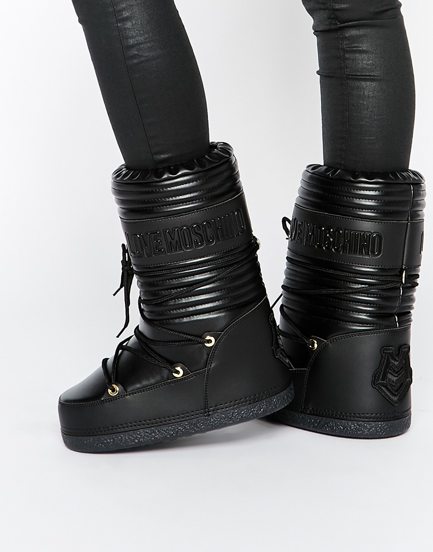 Love moschino Black Leather Snow Boots in Black