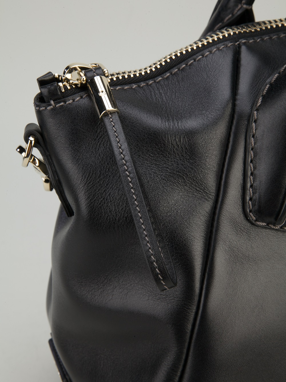 ab87288debbc2 Tod's Dd Medium Bowling Bag in Black - Lyst