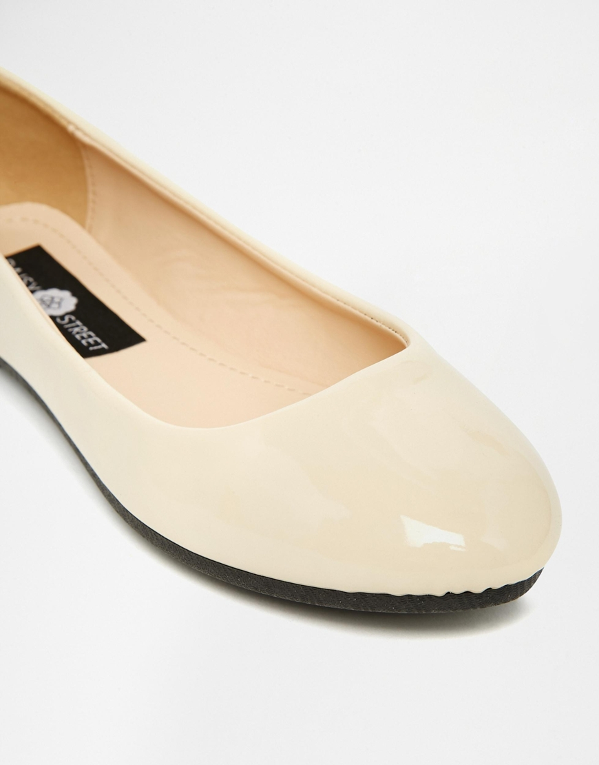 41f798a10e4 Lyst - Daisy Street Cream Patent Ballet Flat Shoes in Natural