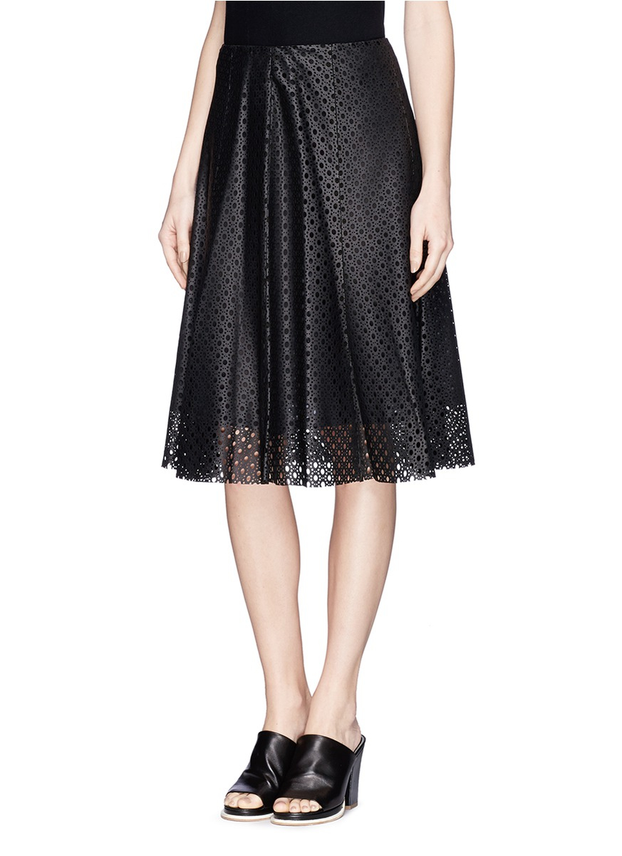 Theory 'Bhima' Lasercut Lamb Leather Skirt in Black | Lyst