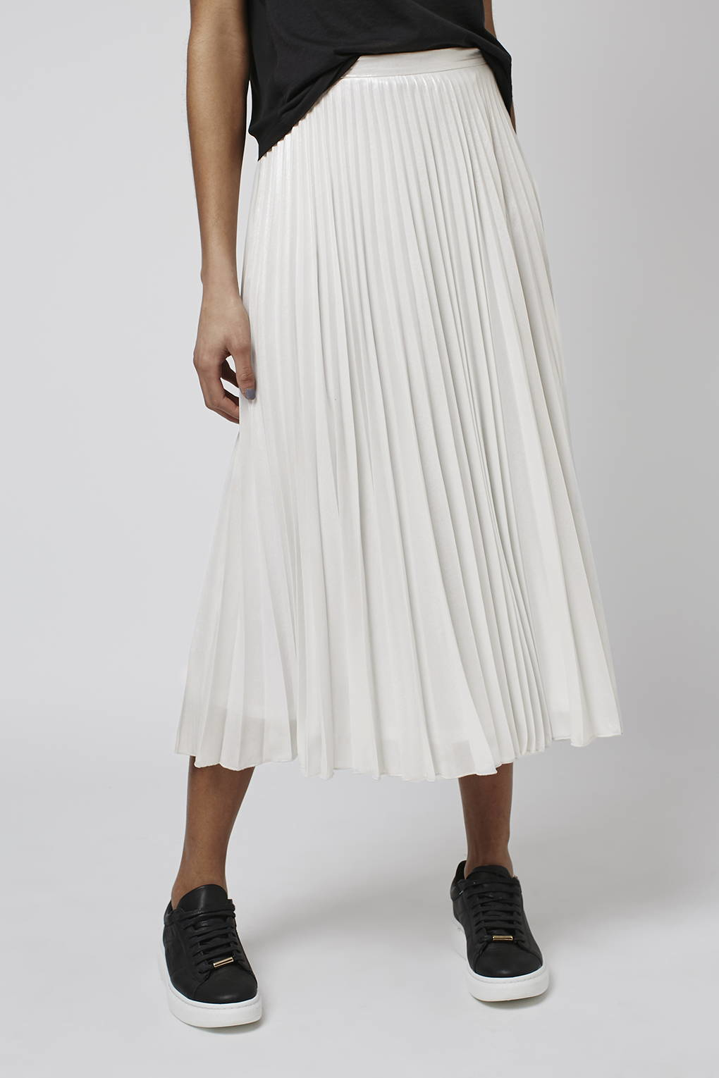 Topshop Iridescent Pleat Skirt in White | Lyst