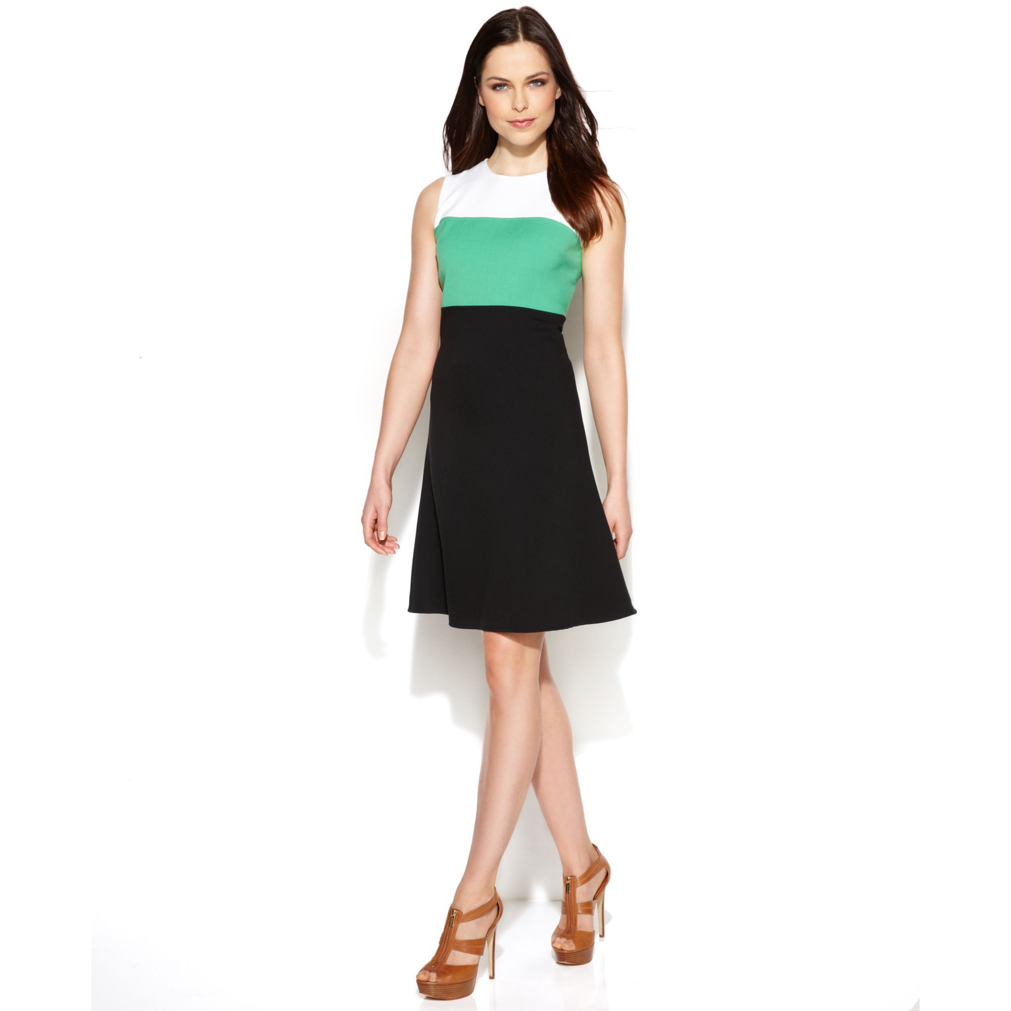 Women's Petite Dresses & Gowns | DillardsBuy Online Return Instore· Find A Store Near You· New Arrivals Daily· Style Since Types: Dresses, Handbags, Sunglasses, Tops, and More.
