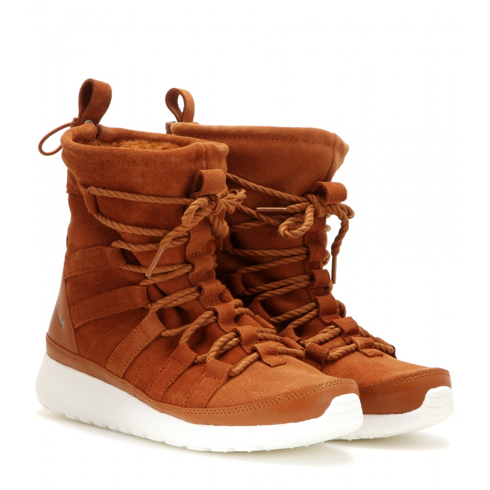 nike roshe one hi suede boots in brown lyst