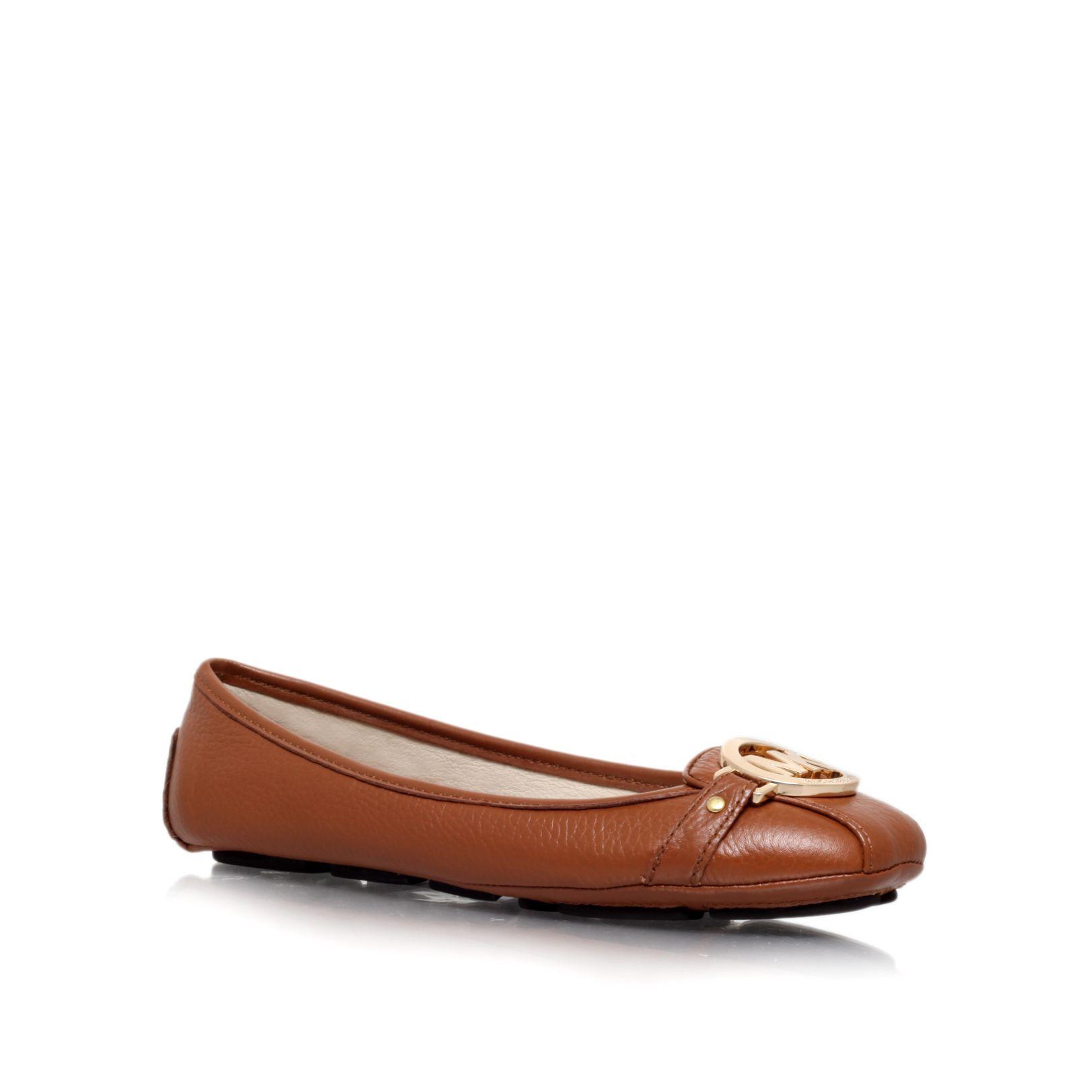 Women S Aquascutum Shoes