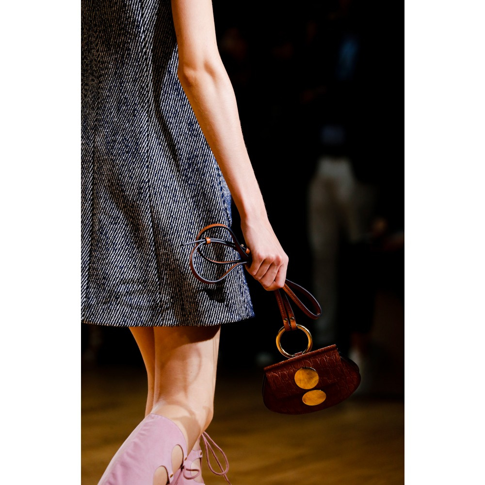 Chlo�� Faye Mini Leather Shoulder Bag in Gold | Lyst
