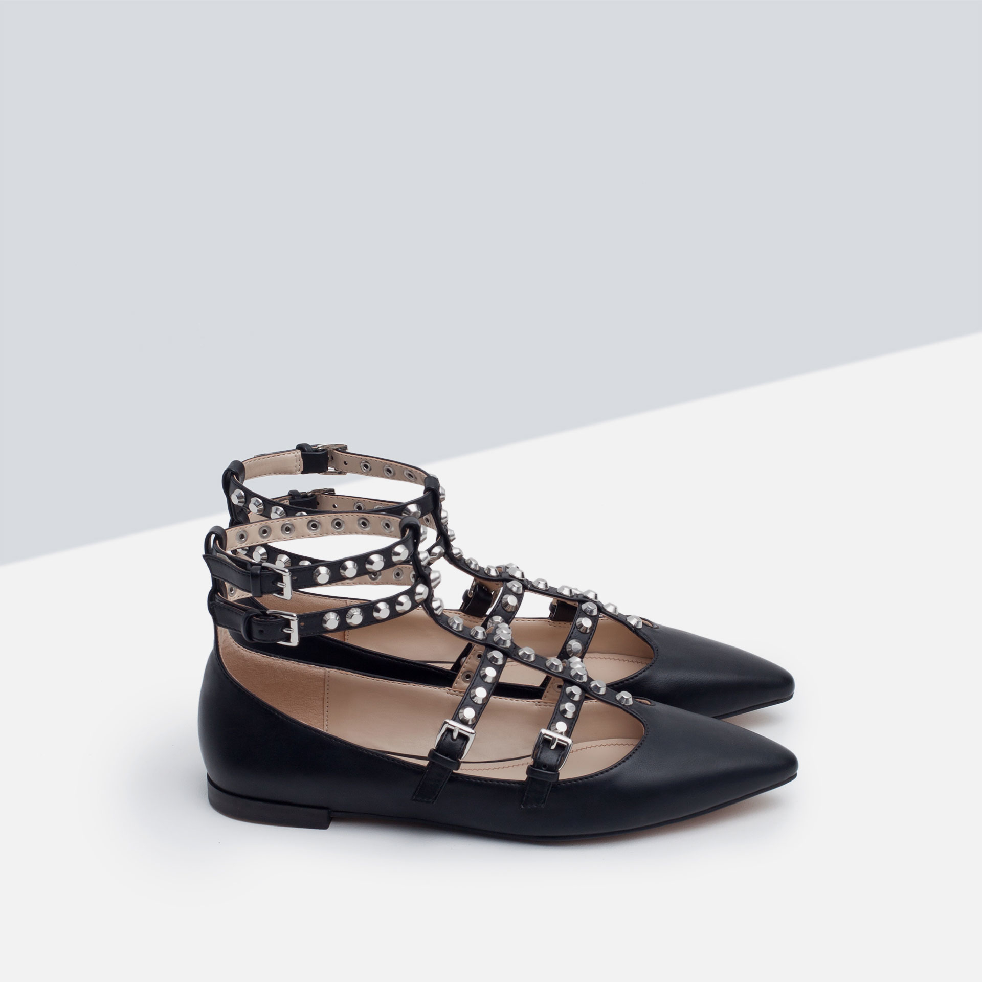 Our flat shoes for women come in black, white, silver and other colors with cute trendy designs and fast shipping services. Bee Studded Pointed Toe Women's Slip On Flats. Flats shoes make us comfortable when walking and give us agility. We all love flat shoes.
