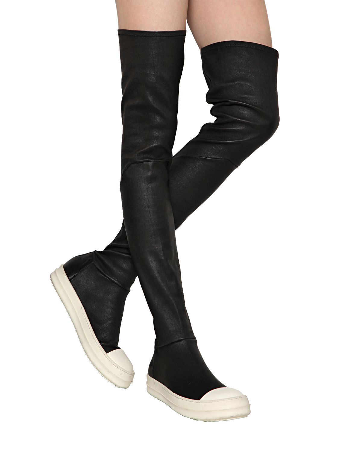 Knee Stretch Leather Sneakers in Black