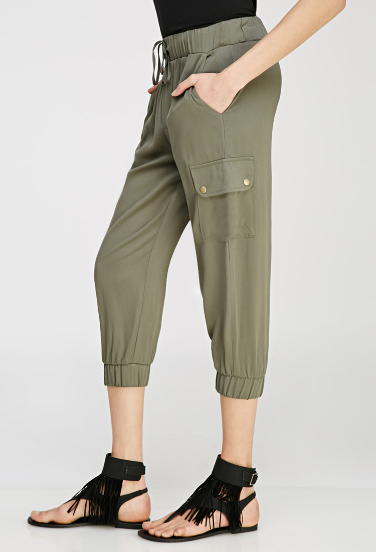 Forever 21 Drawstring Cargo Capris in Green | Lyst