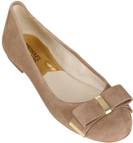 michael michael kors 10mm suede bow ballerina flats in beige lyst. Black Bedroom Furniture Sets. Home Design Ideas