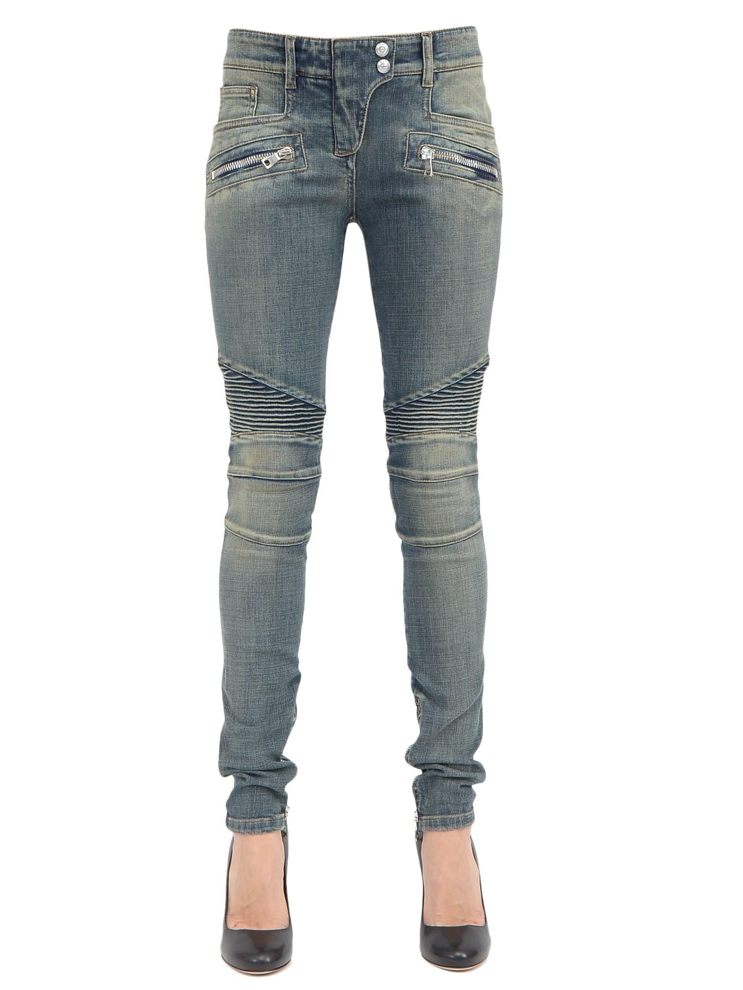 De jeans heren sale lijkt wel voor alle momenten van je leven te zijn geschapen. De spijkerbroek is volop aanwezig. Niet alleen omdat hij er zo cool uitziet en lekker zit, maar ook omdat je hem zo makkelijk kunt combineren.