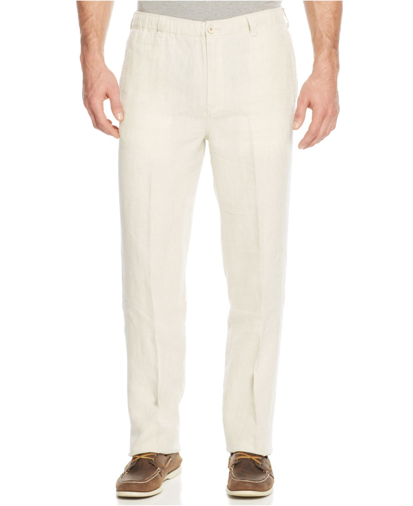 Linen trousers for men work wonderfully well in a professional setting, so easily find something to wear during work days or cool Casual Fridays. Crisp khaki dress pants are casual but still elegant, especially when worn with argyle sweaters or handsome cardigans and button-down shirts.