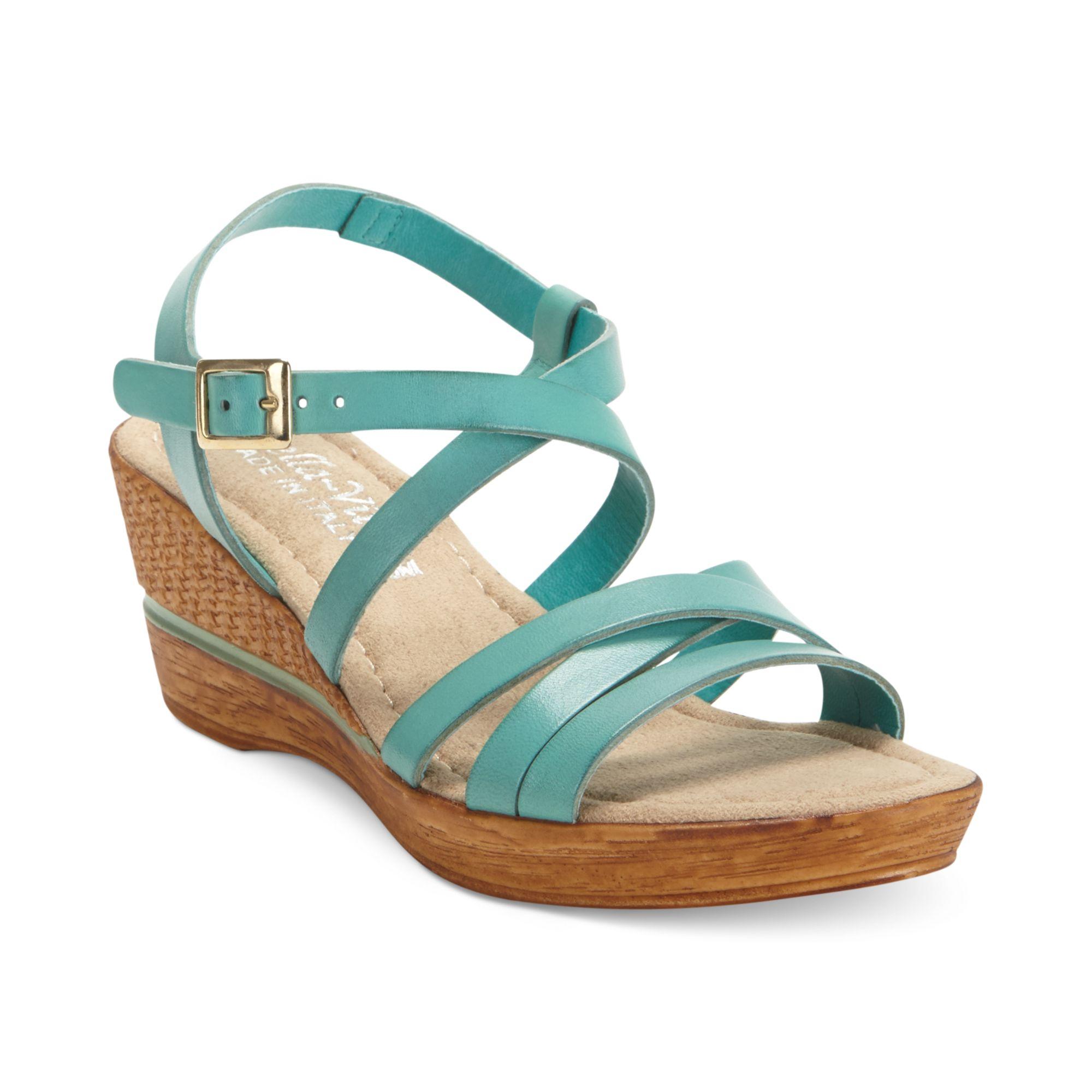 Bella Vita Italian Collection Bacio Platform Wedge Sandals