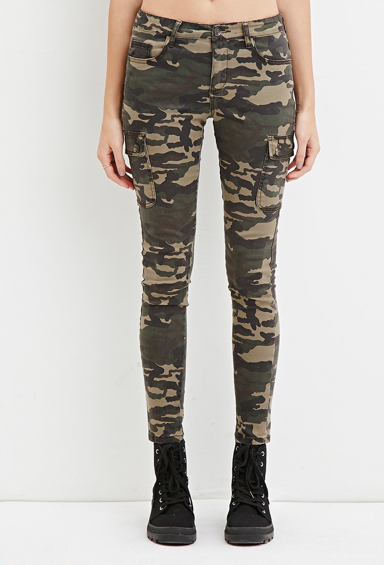 Lyst Forever 21 Low Rise Camo Cargo Pants In Green