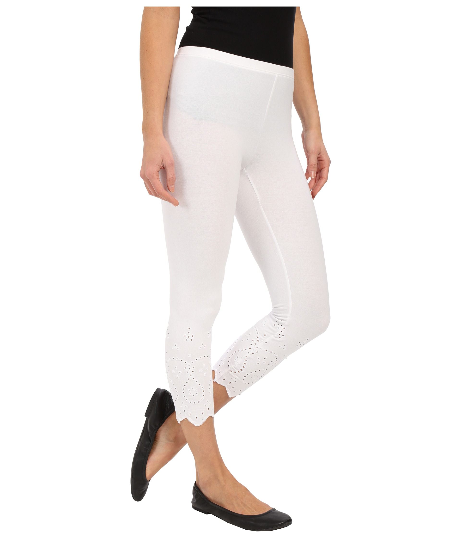 Hue Eyelet Trim Cotton Capris in White | Lyst