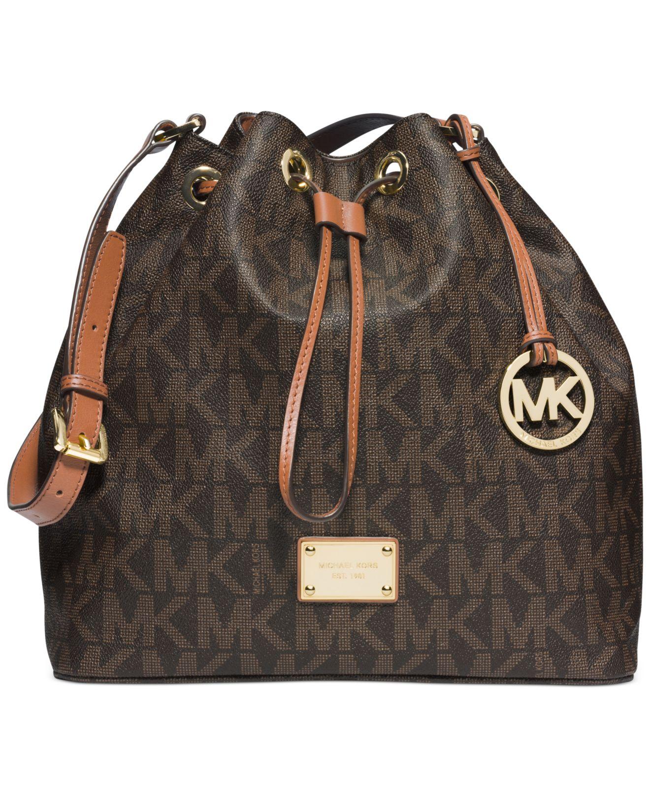0b7842ad00d152 Michael Kors Michael Jules Large Drawstring Shoulder Bag in Brown - Lyst