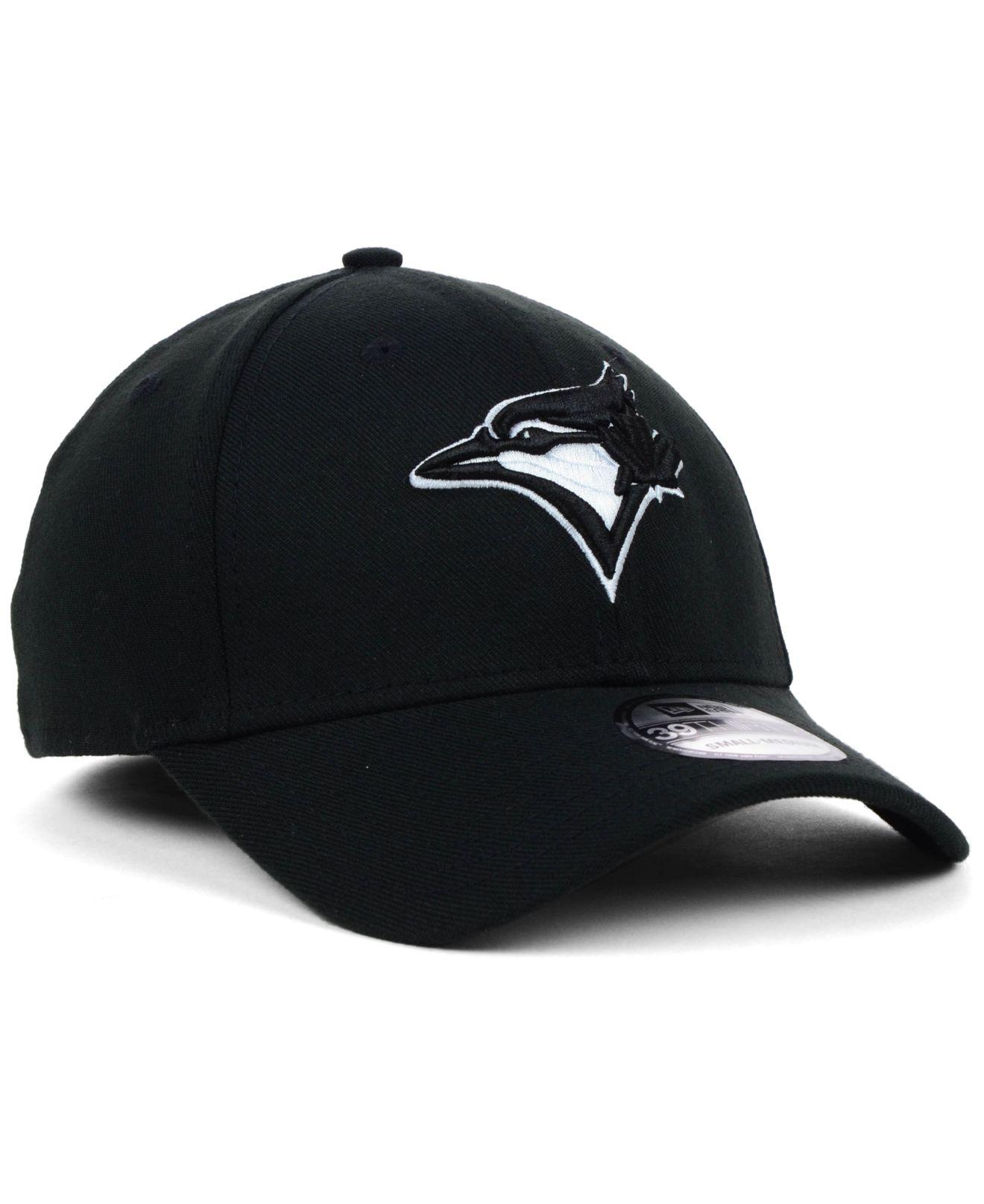 reputable site 038e9 a1b6e KTZ Toronto Blue Jays Black and White Classic 39thirty Cap in Black ...