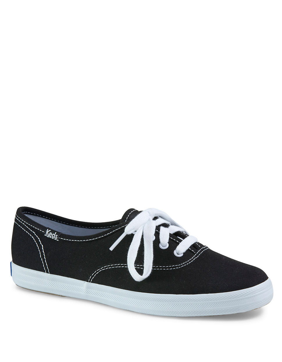 Should White Shoes Be Leather Or Canvas