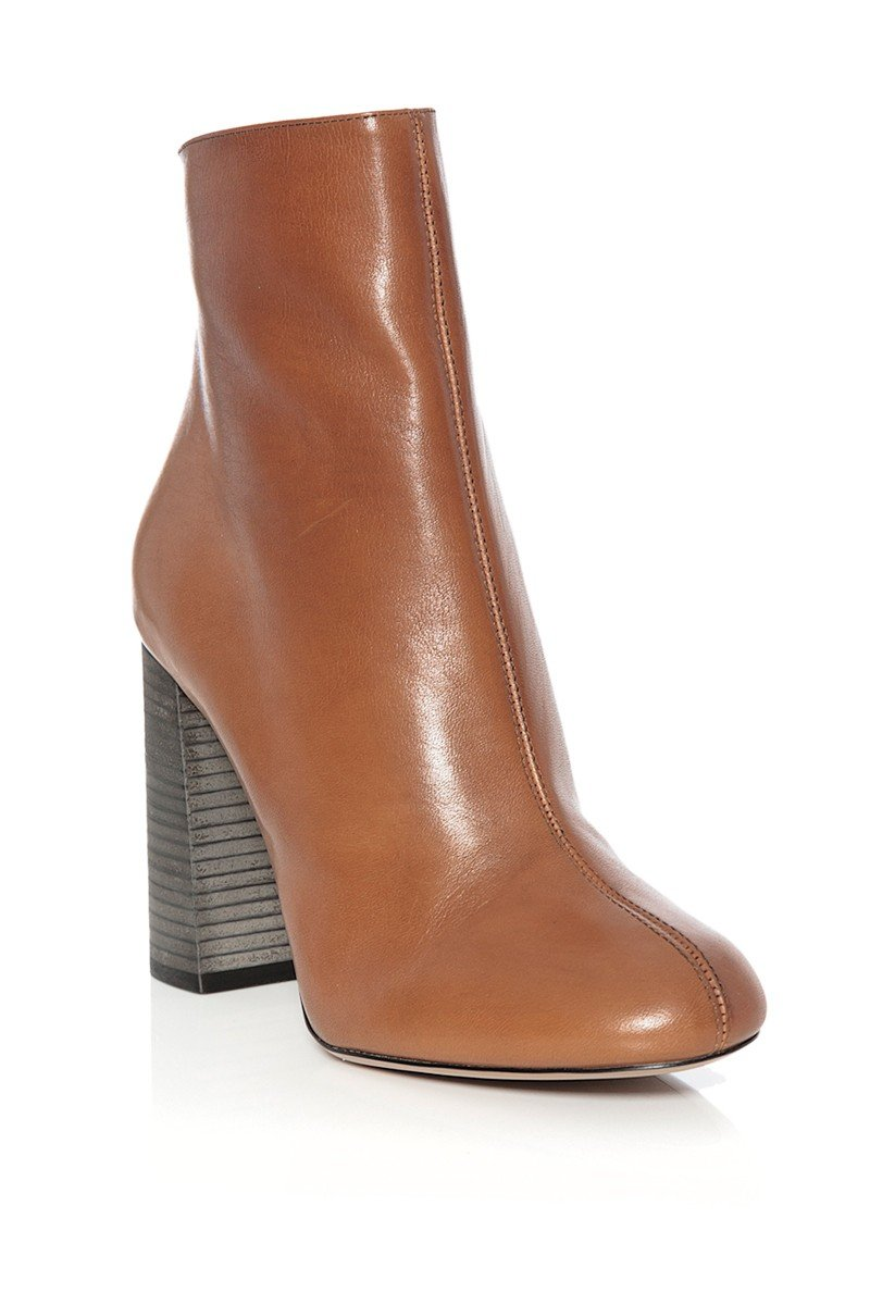 chlo 233 leather ankle boot in brown lyst