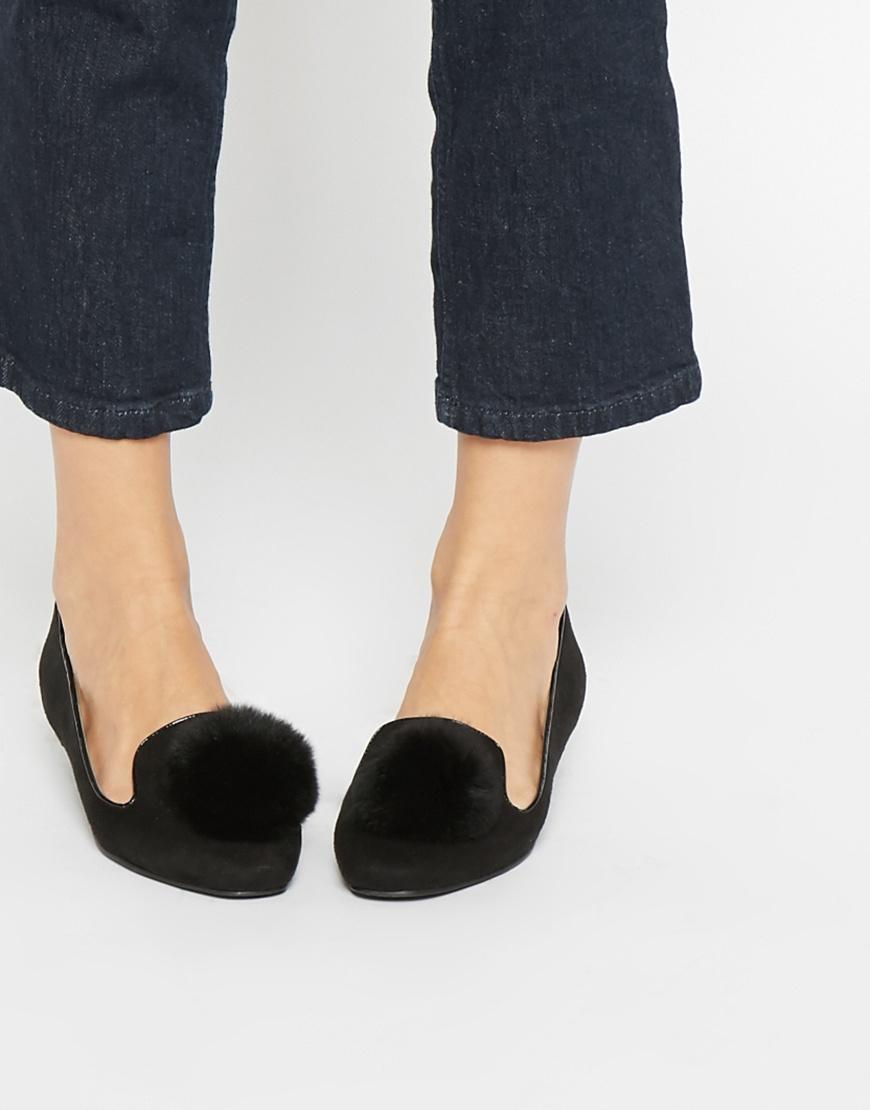 Contrast Studded Flat Shoes - Black Lost Ink. 8ogod