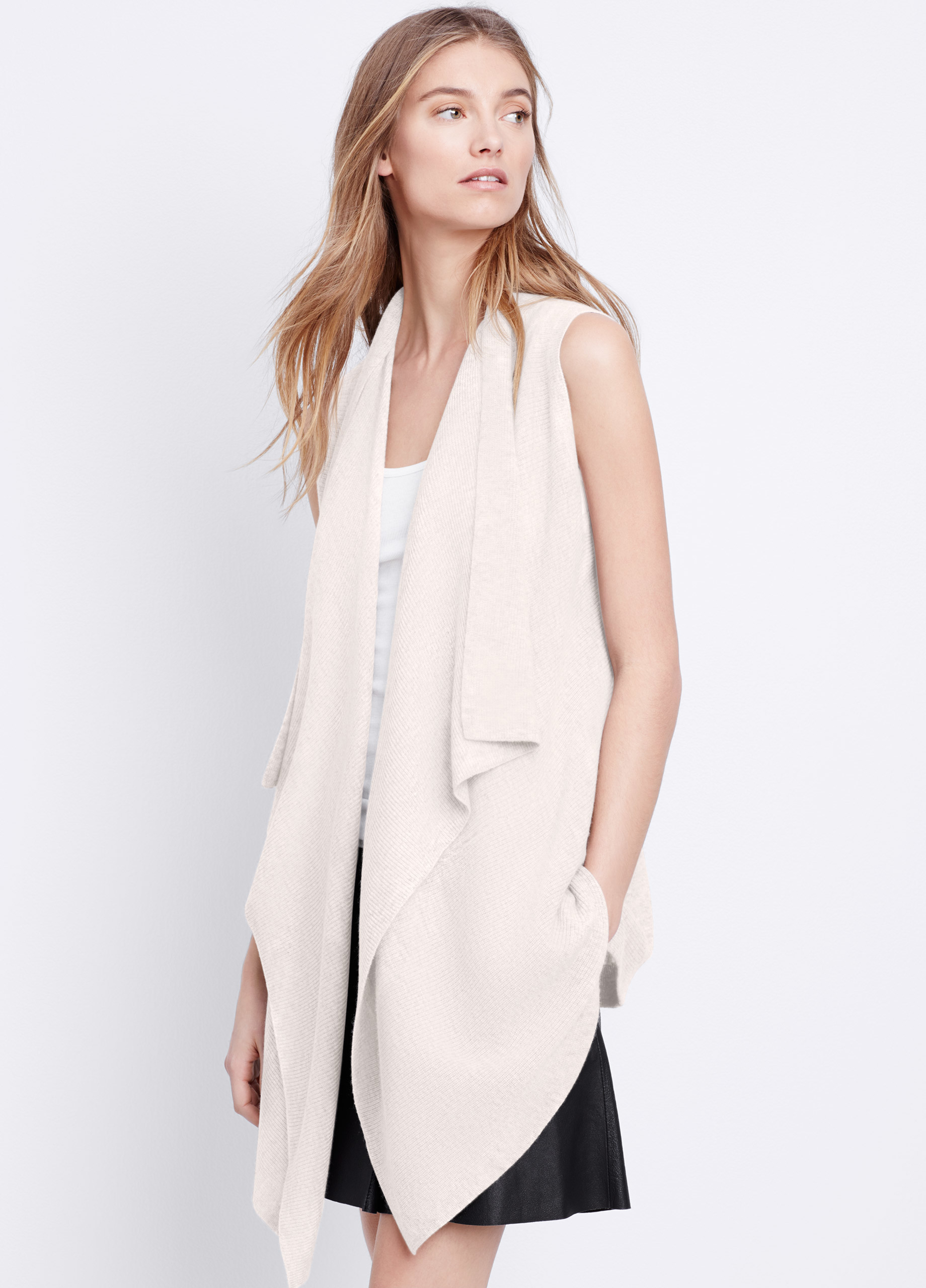 Vince Lightweight Wool Cashmere Sweater Vest in White | Lyst