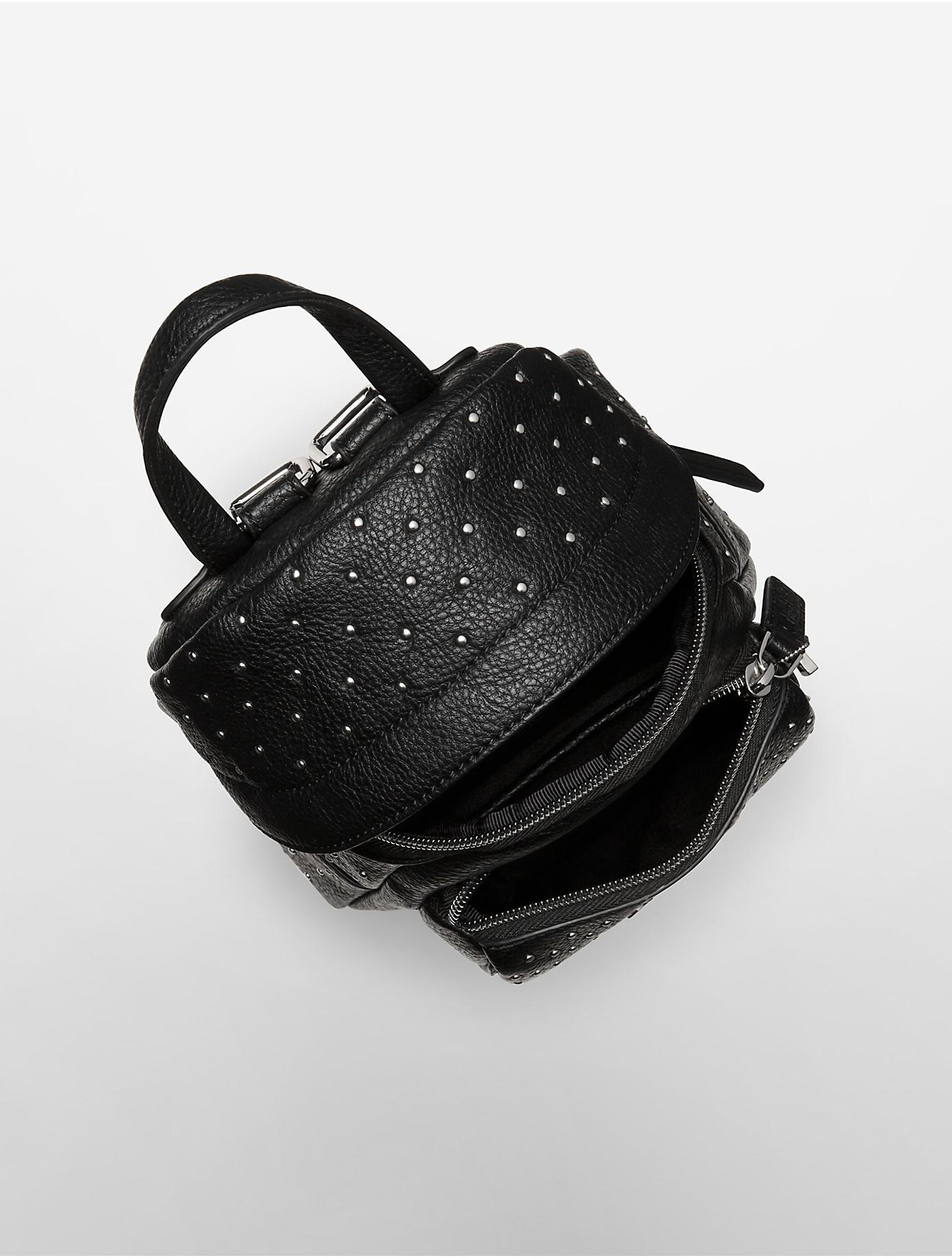 foto de Calvin Klein White Label Hailey Studio Backpack in Black - Lyst