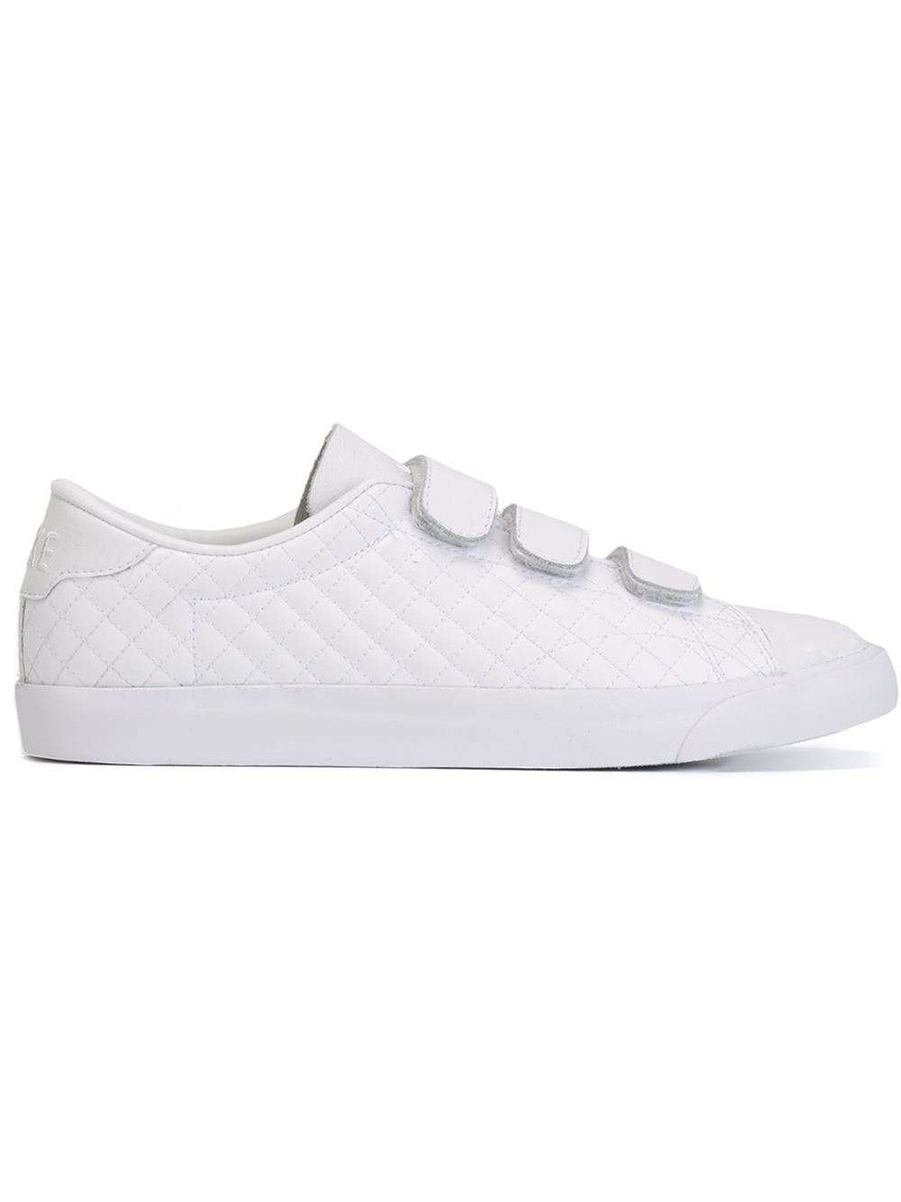 Nike Leather Tennis Classic AC V Low
