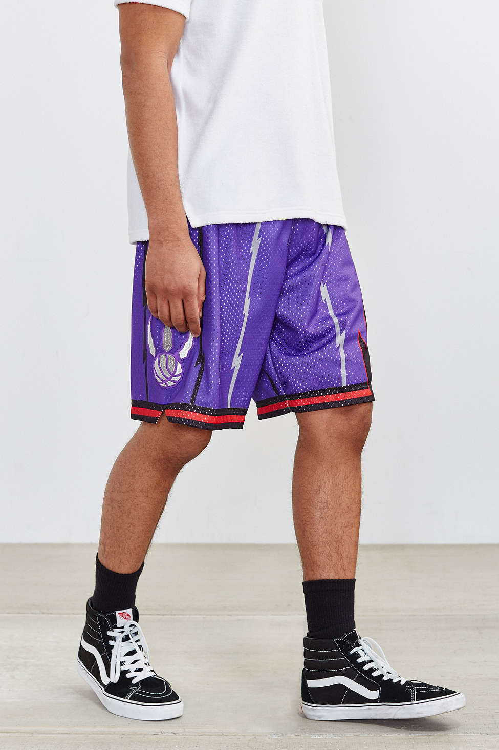 dcb1f8ae58aa4 Mitchell & Ness Toronto Raptors Authentic Basketball Short in Purple ...