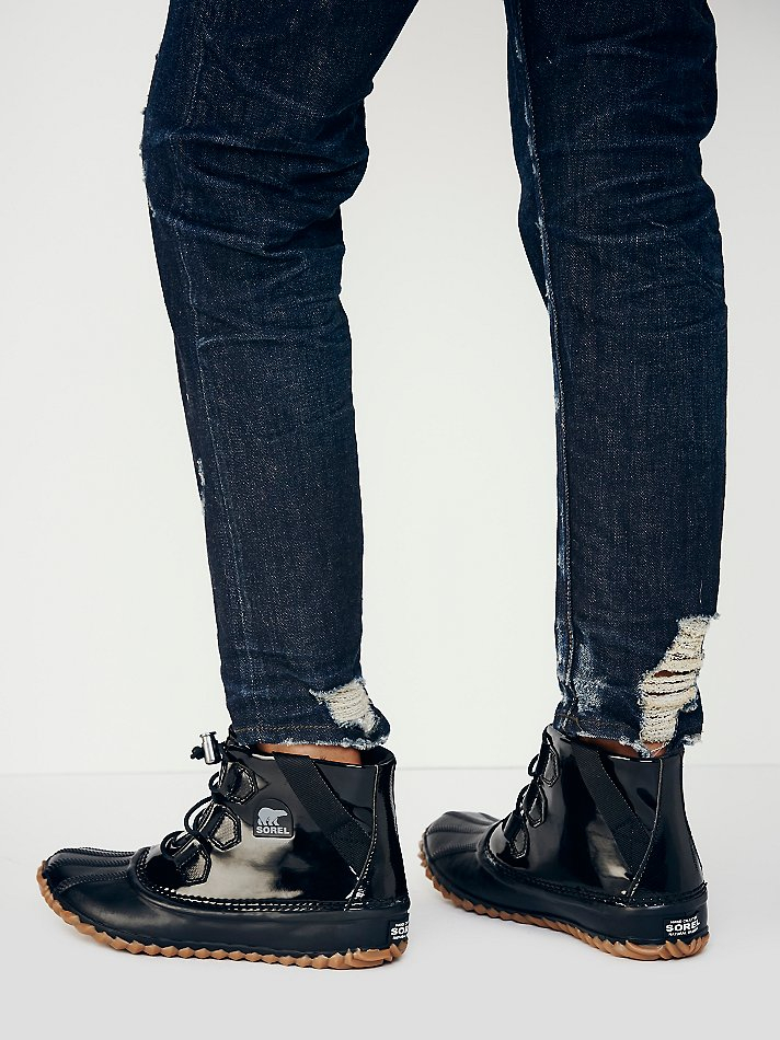 huge discount e2fcc 823d0 Free People Sorel Womens Out N About Glow Weather Boot in Black - Lyst