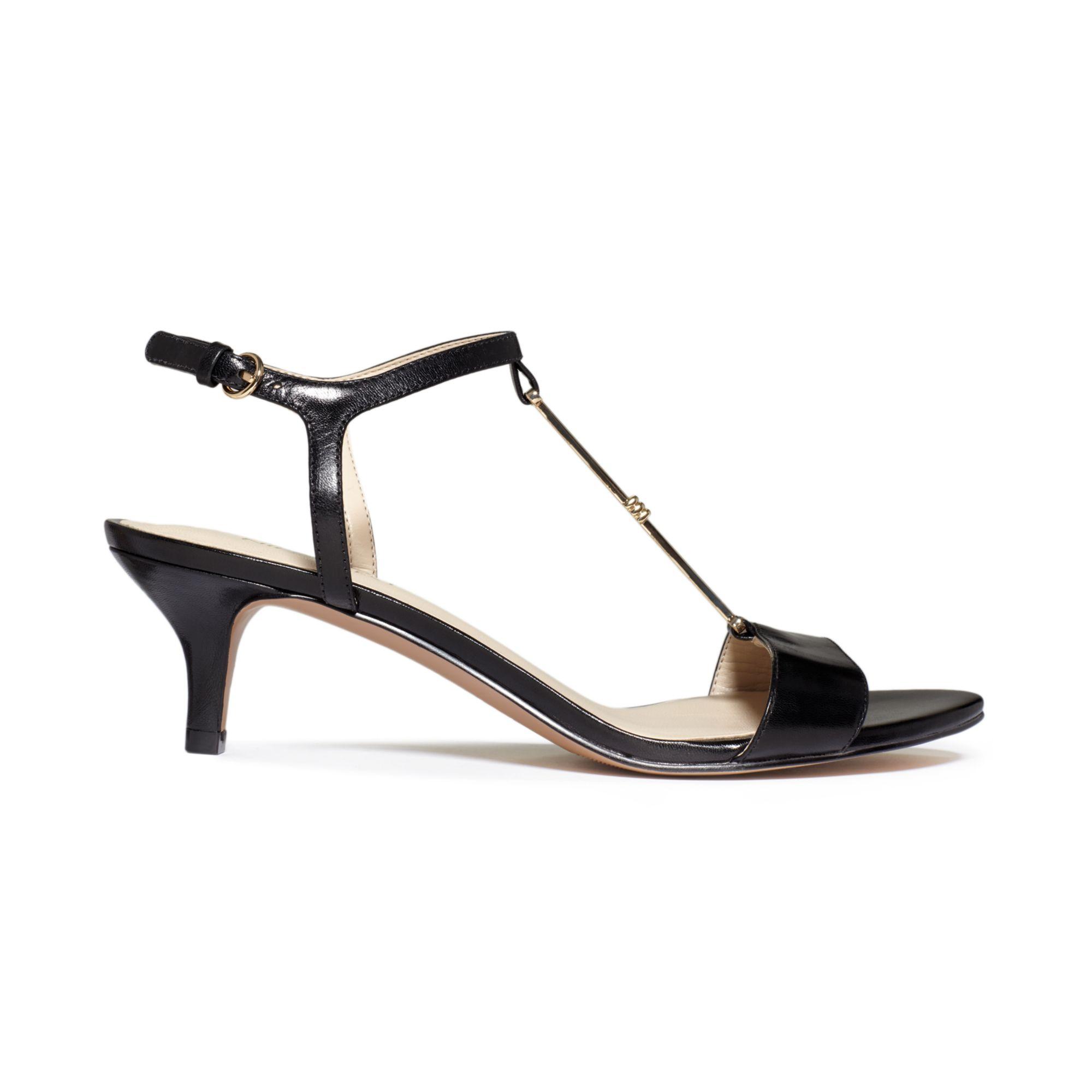 Nine west Yeelied T-Strap Kitten Heel Sandals in Black | Lyst