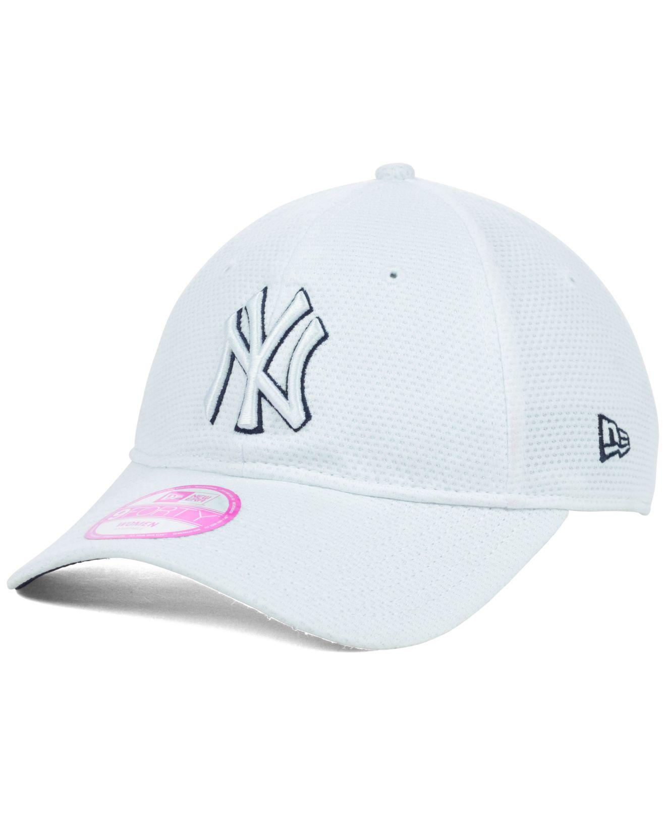 baa0911bf67ec5 KTZ Women'S New York Yankees Tech Essential 9Forty Cap in White - Lyst