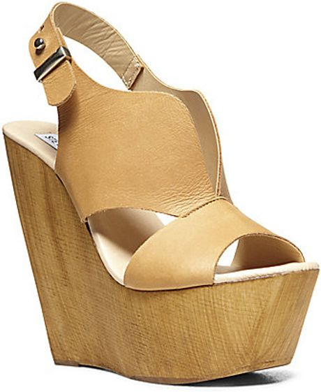 Steve Madden Plungee in Khaki (COGNAC LEATHER)