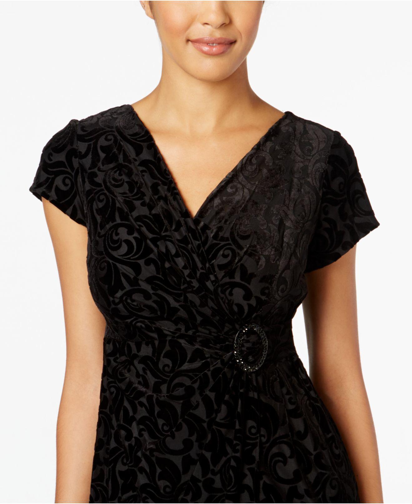 Lyst Alex Evenings Petite Cap Sleeve Velvet Sheath Dress In Black