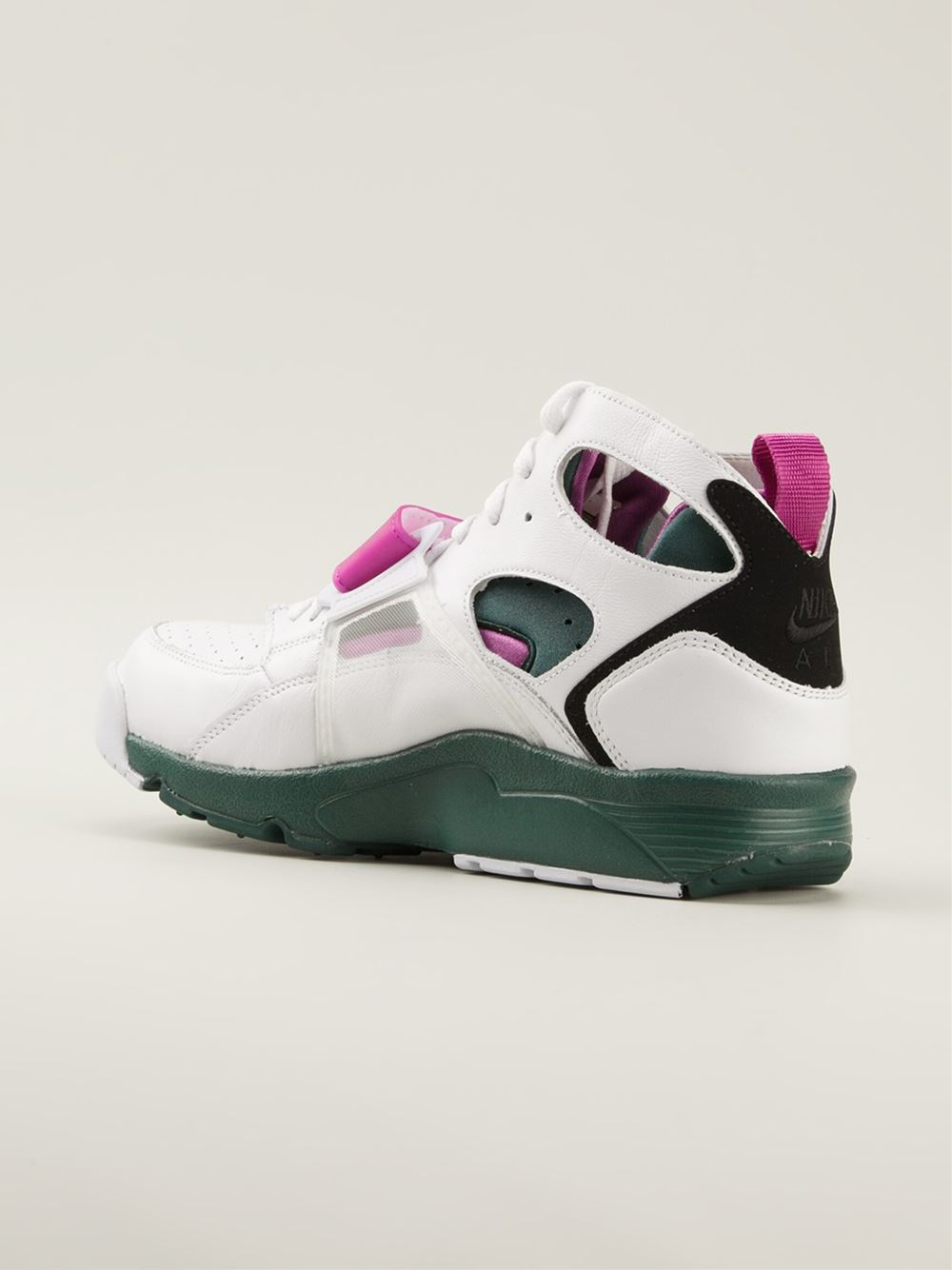 separation shoes ff9e2 ca4ab Gallery. Previously sold at  Farfetch · Men s Nike Huarache ...