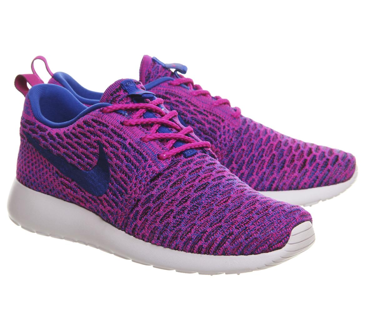 Nike Roshe Run Flyknit (w) in Fuchsia