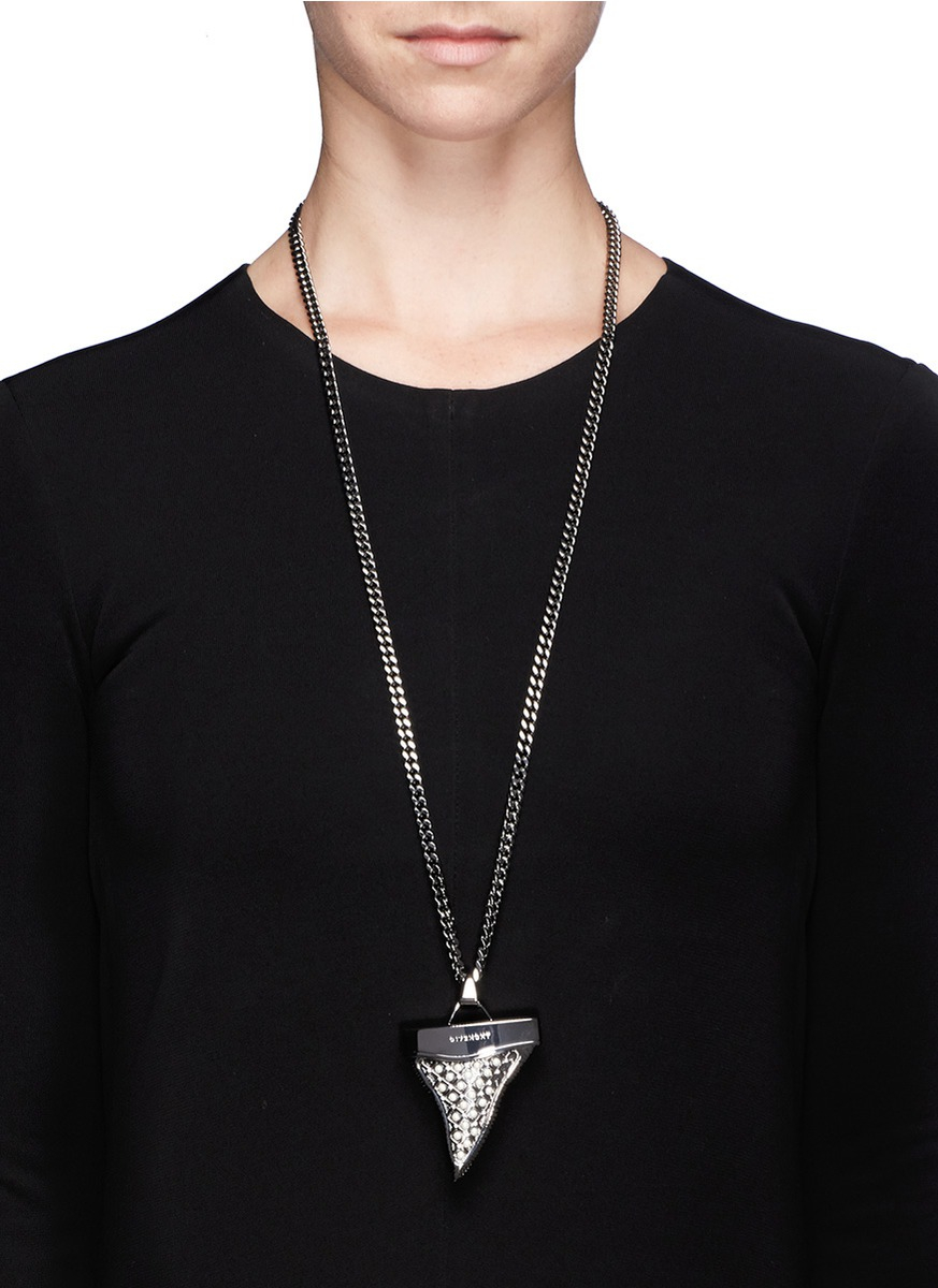 givenchy medium pearl shark tooth necklace in metallic lyst
