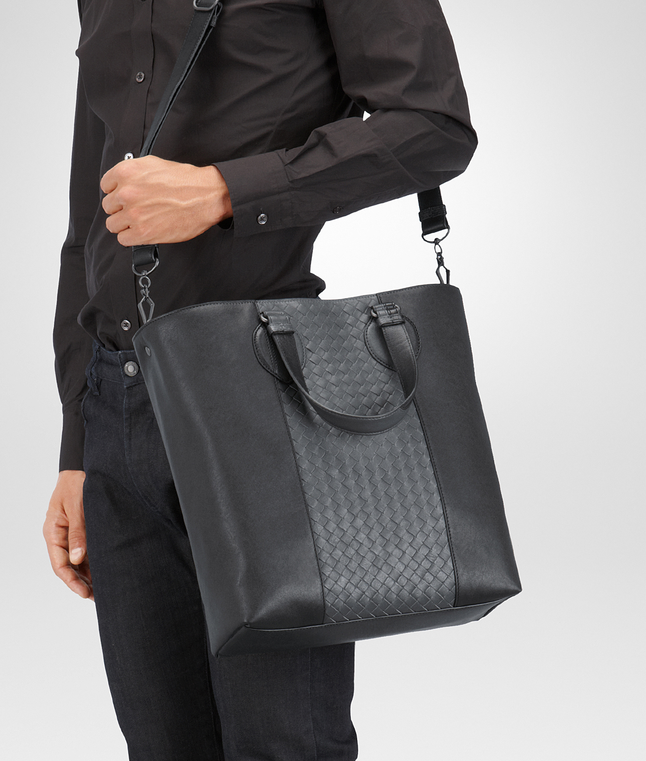 2d0b7cffda983 Bottega Veneta Nero Medium Grey Intrecciato Washed Nappa Tote Bag in ...