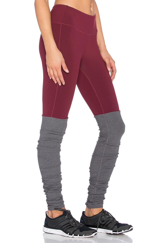 03b31b6430 Alo Yoga Goddess Ribbed Legging in Purple - Lyst