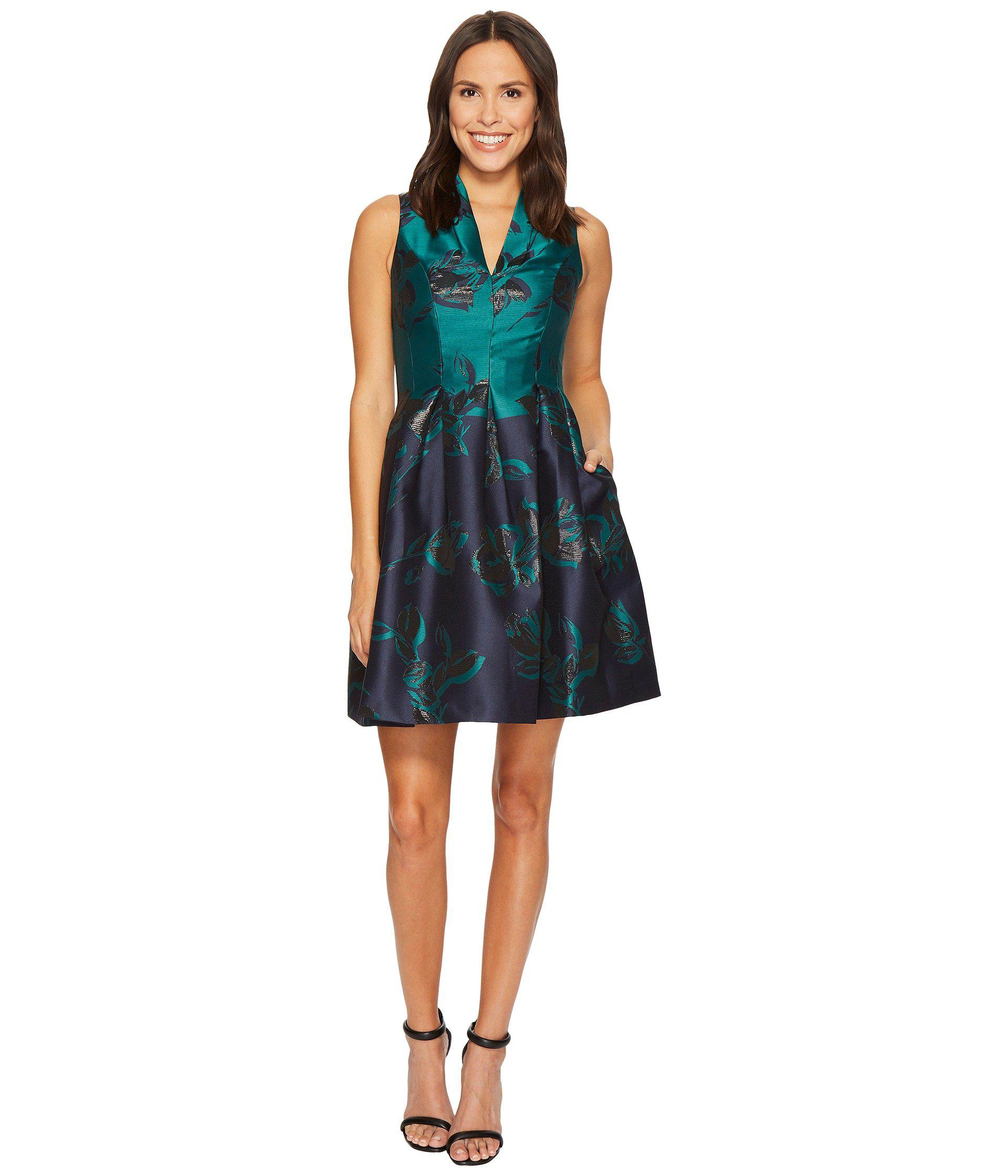 Lyst Vince Camuto Jacquard Funnel V Neck Fit And Flare