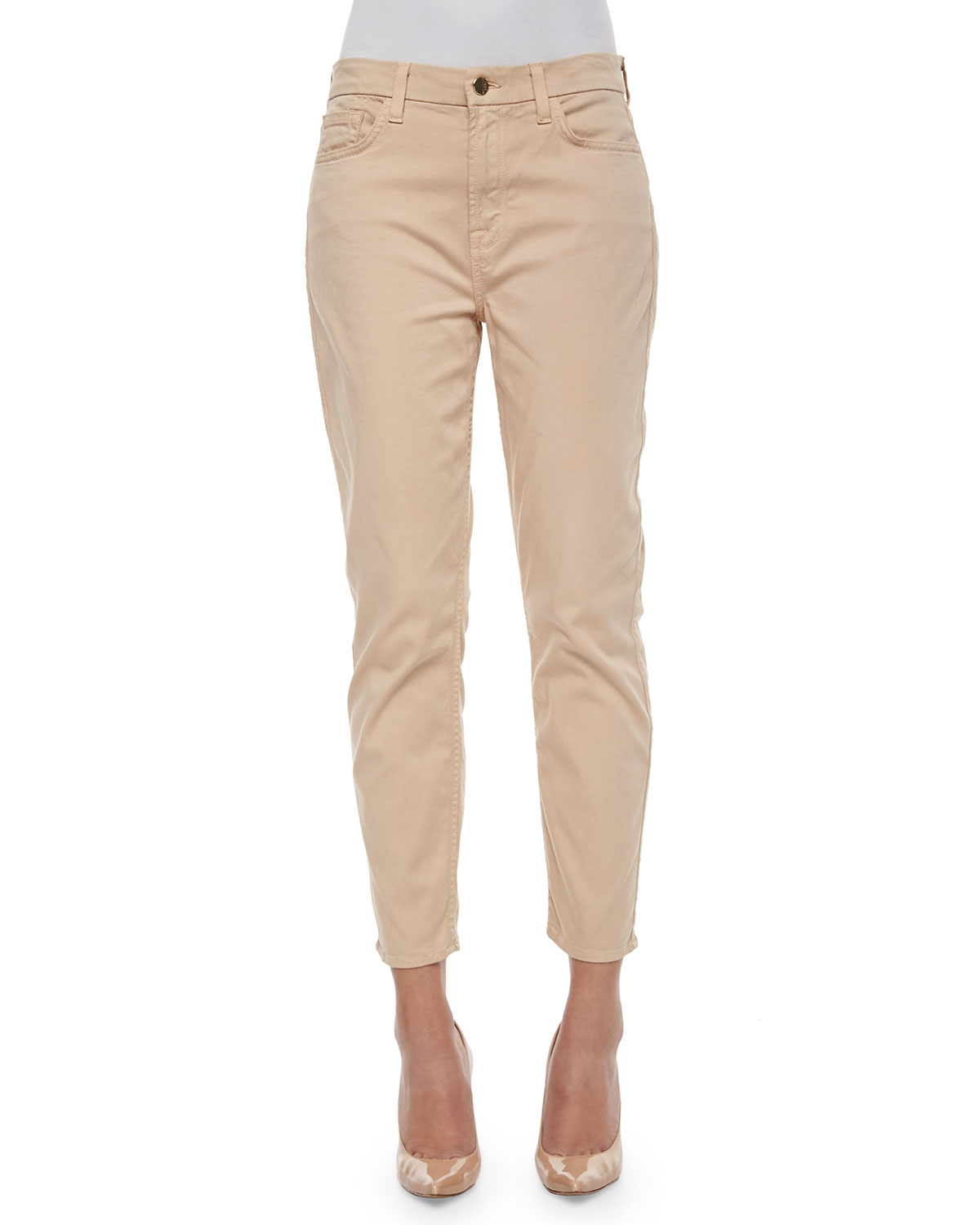 Innovative LAS VEGAS, Aug 18 Reuters  Women Who Hate Skinny Jeans Can Rejoice This Spring  The Move Comes As Jeans As A Category Will Lessen In Importance This Spring, Experts Said Khakis And Corduroy Pants Are Expected To Steal The Focus,