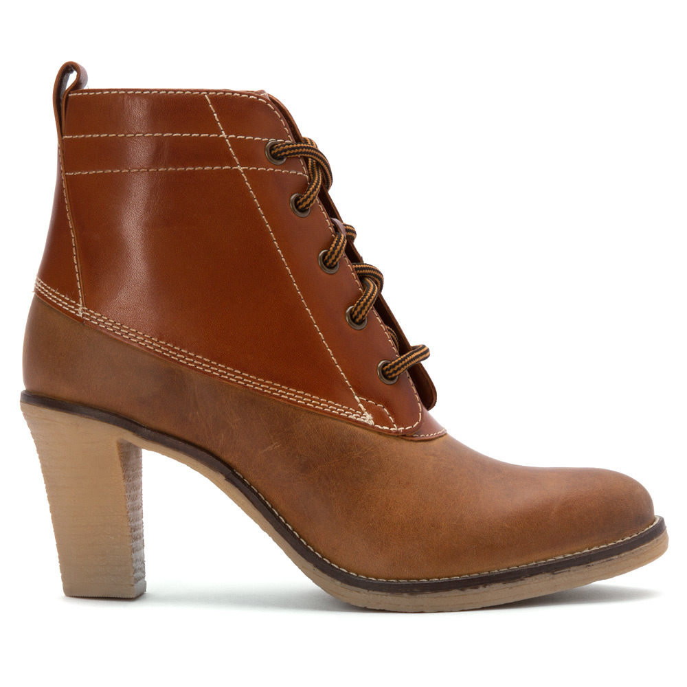 johnston murphy jeanie lace up duck boot in brown